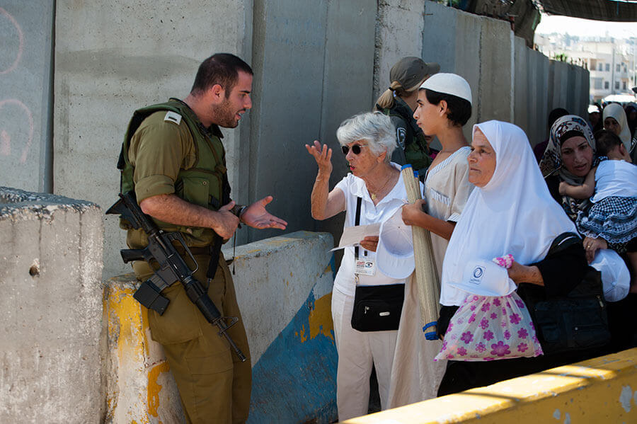 Checkpoint in Bethlehem, Westbank, 2012 (Foto: Activestills)